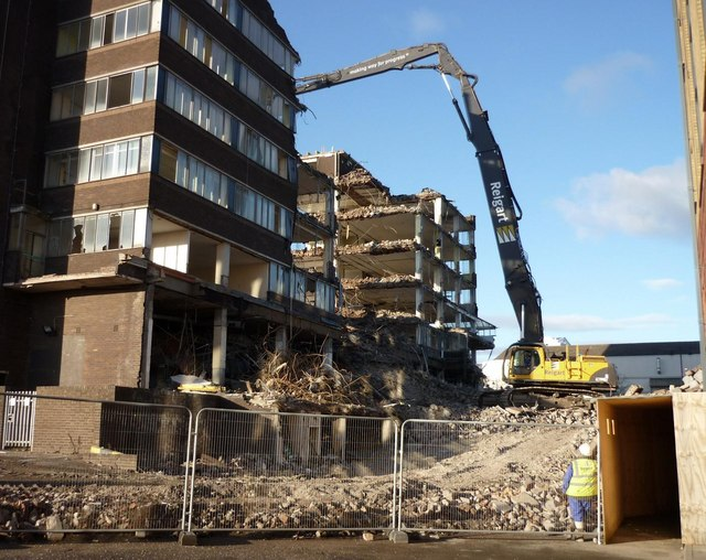 Demolish of a big building
