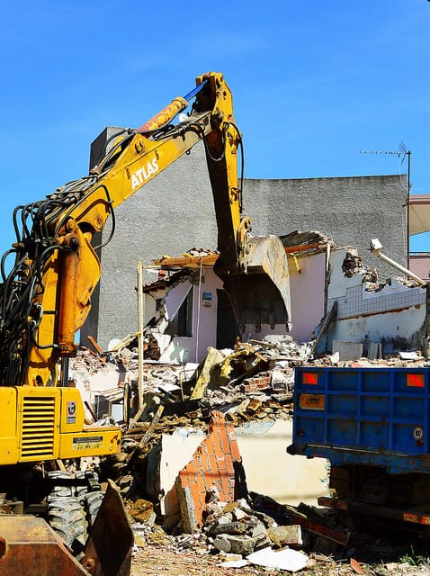 Controlled demolition services